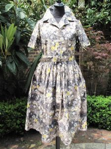 1950's Excellent condition Smudgy floral print vintage dress by KATHWYN. *SOLD* es